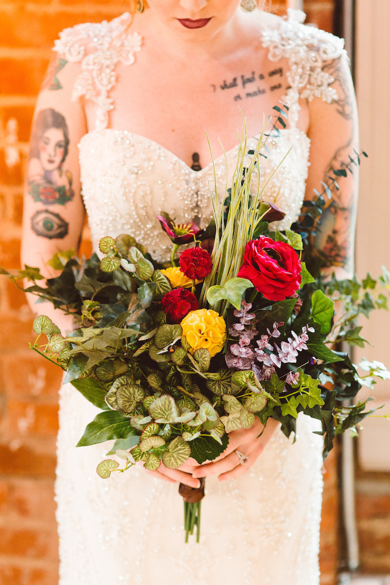 bridal-bouquet-rock-n-roll-wedding-ideas
