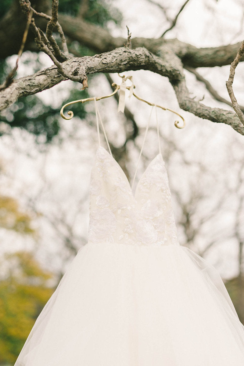 bridal-gown-luxurious-winter-wedding-inspiration-Liz-Fogarty-Photography