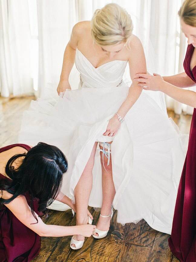 bride-real-wedding-garter-The-Garter-Girl