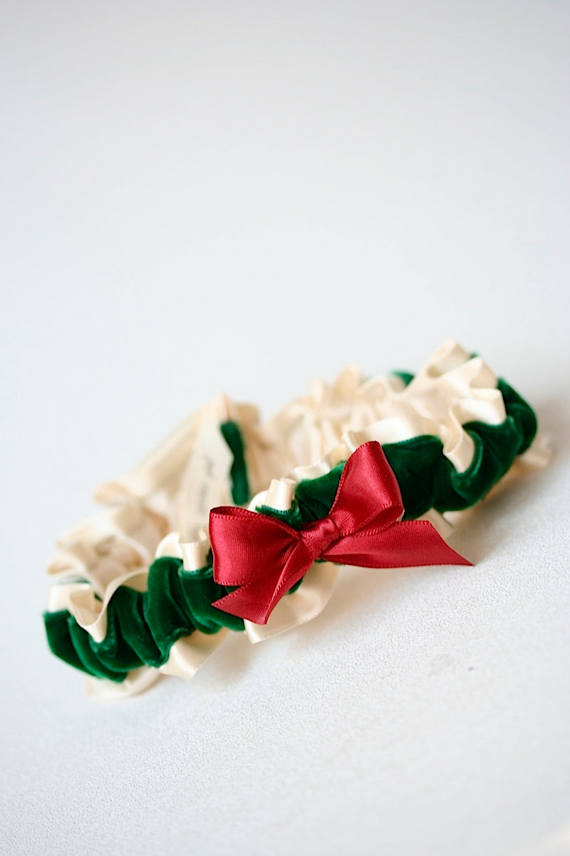 christmas-wedding-garter-the-garter-girl