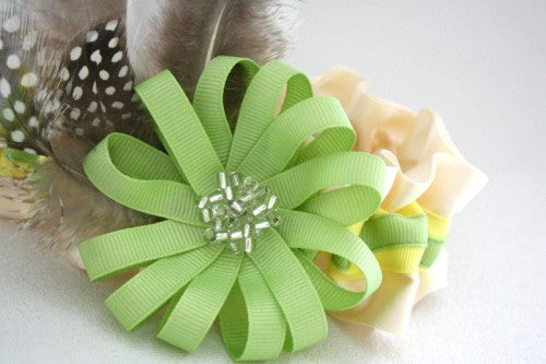 couture-wedding-garter-with-feathers-lemon-and-lime