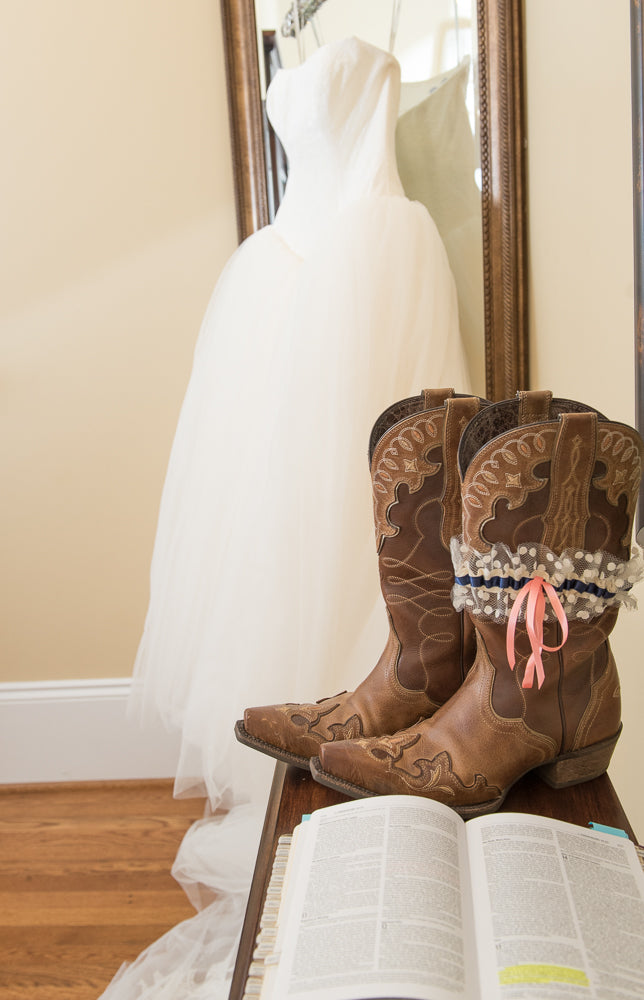 cowboy-boots-real-wedding-garter-TeeWayne Photography4