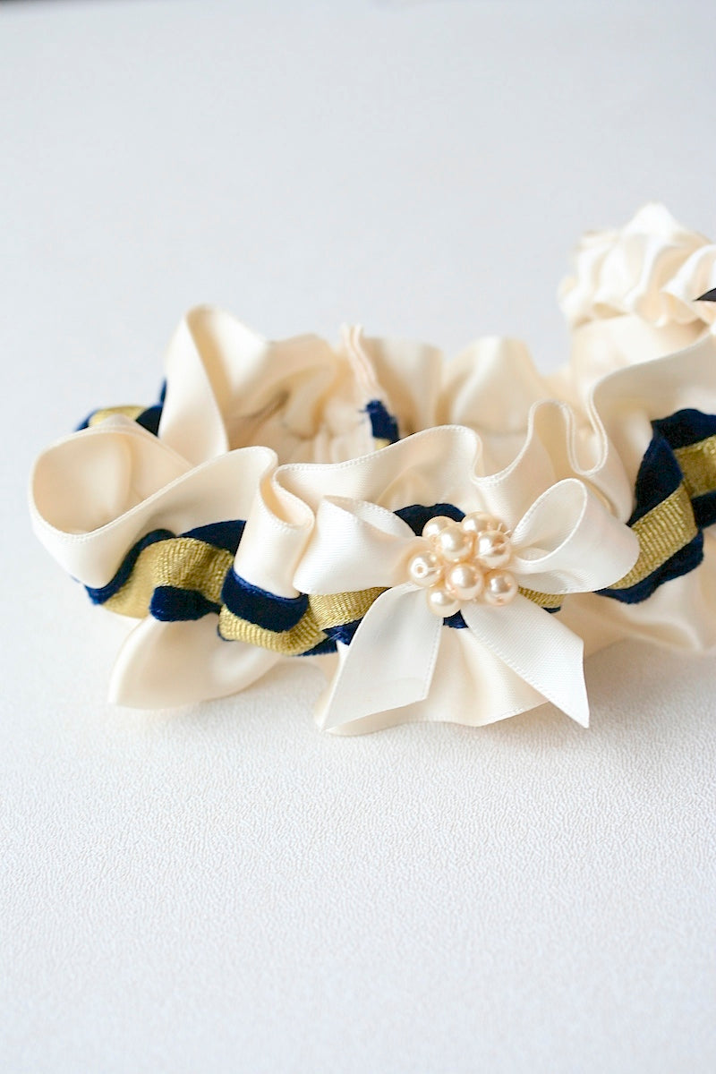 personalized wedding garter with pearls