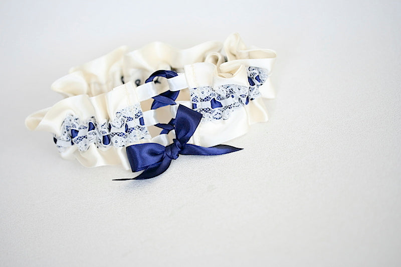 custom-wedding-garter-the-garter-girl