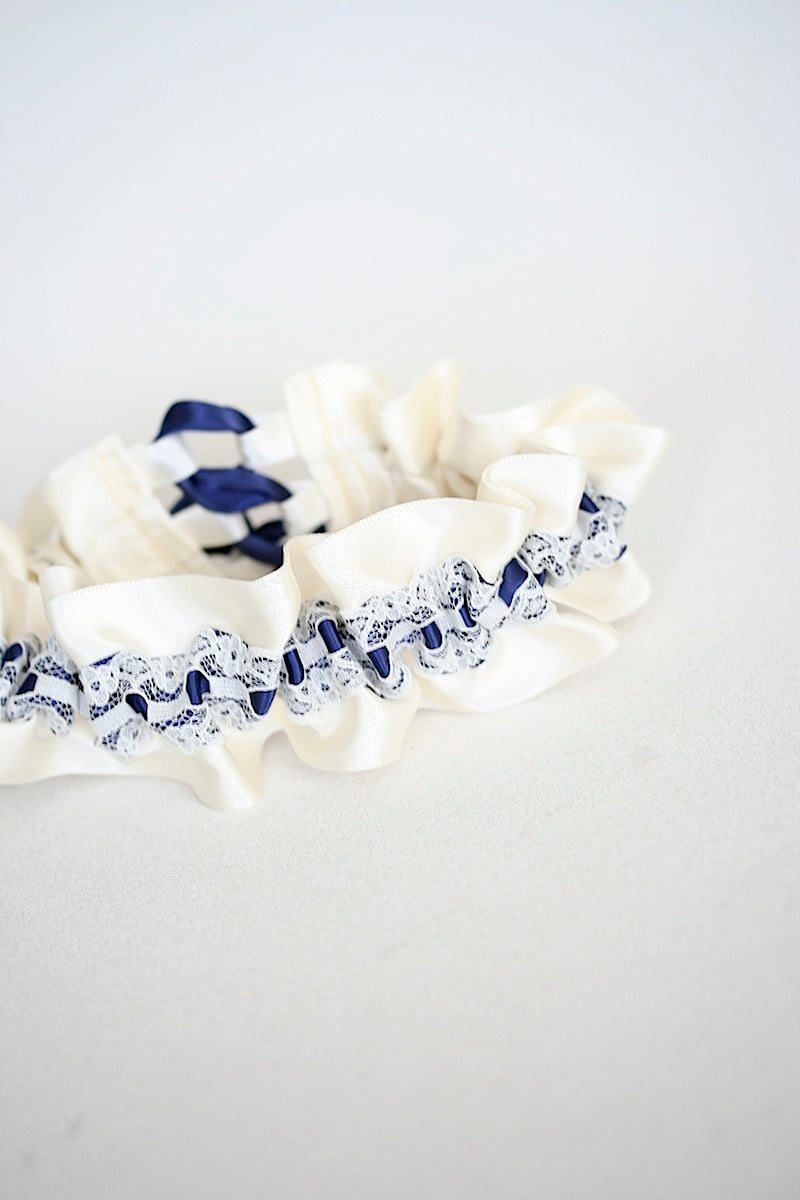 designer-wedding-garter-the-garter-girl