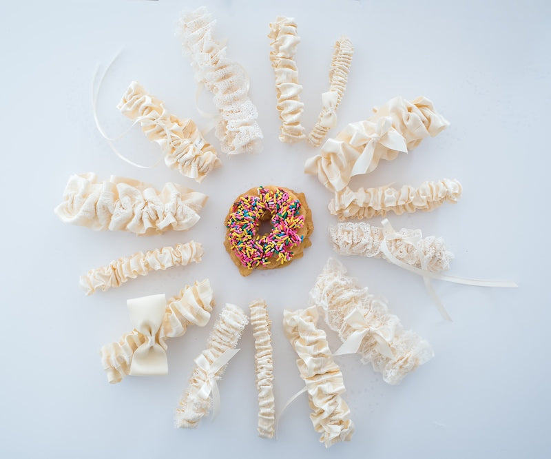 donut-wedding-garter-The-Garter6