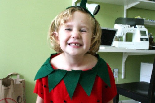 easy-diy-kids-halloween-costume-strawberry