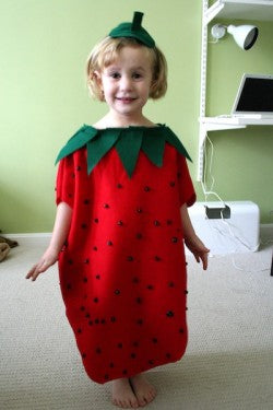 easy-kids-halloween-costume-strawberry
