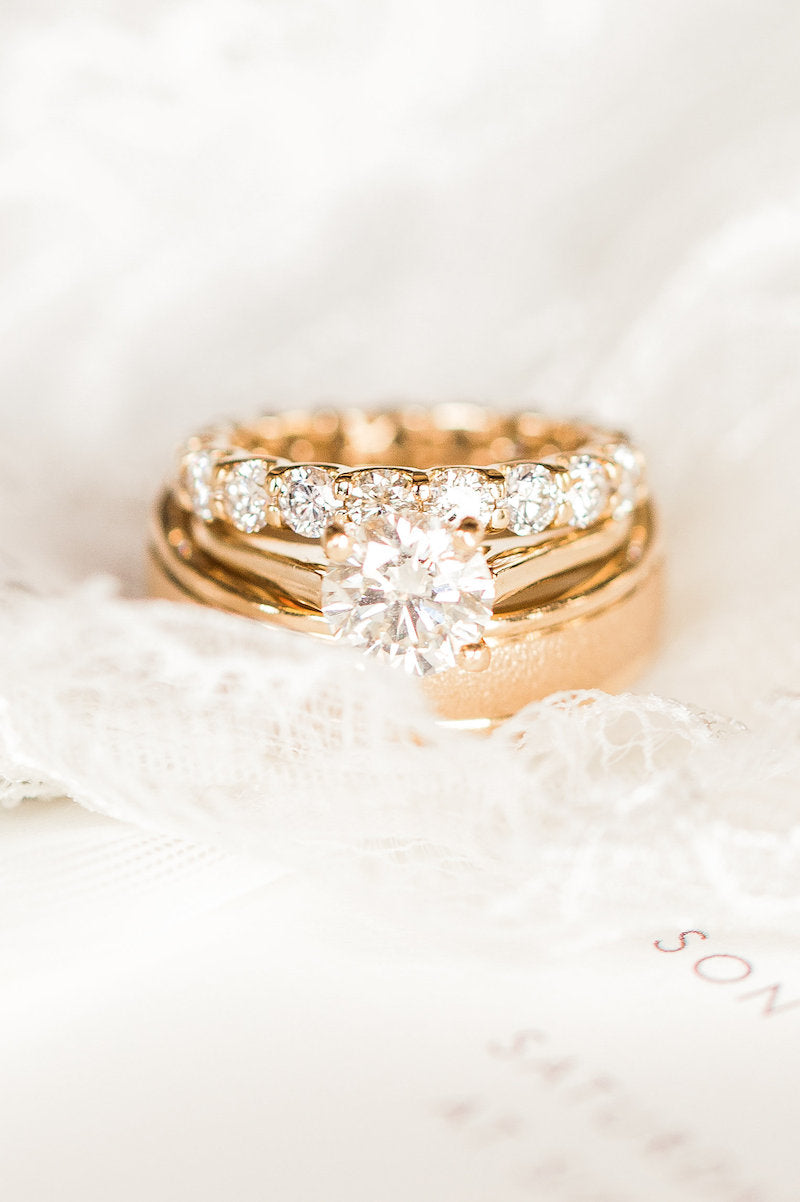 elegant-wedding-rings-Lindsey-Mueller-Photogrpahy-