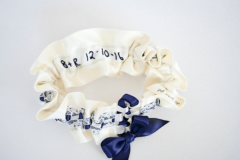 embroidered-wedding-garter-The-Garter-Girl