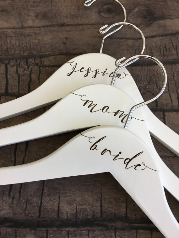 engraved-calligraphy-bridesmaid-hangers