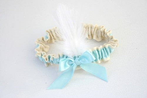 feather-wedding-garter-The-Garter-Girl