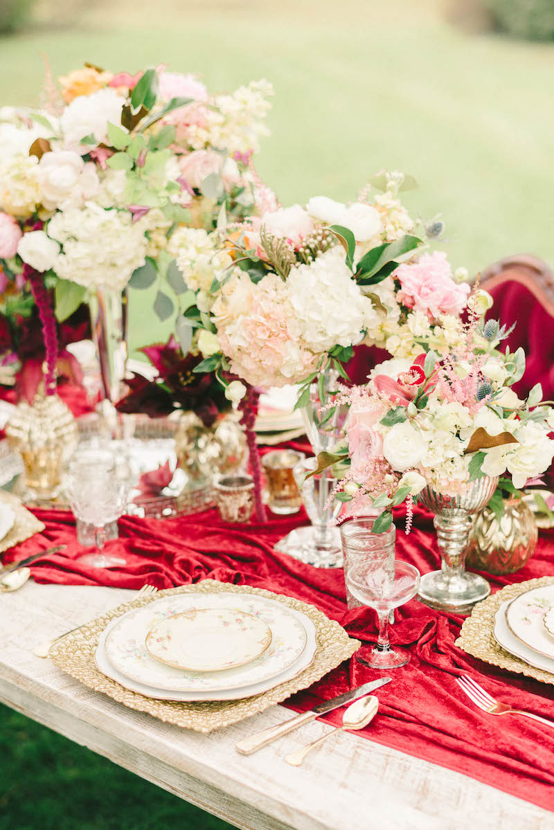 flowers-luxurious-winter-wedding-inspiration-Liz-Fogarty-Photography