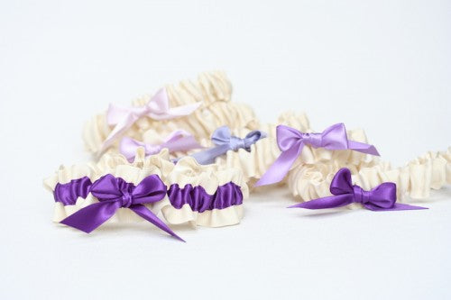 fun-bridesmaid-gift-wedding-garter-set-ombre-The-Garter-Girl