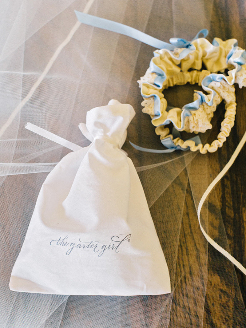 garter-elegant-southern-wedding-amy-arrington-photography