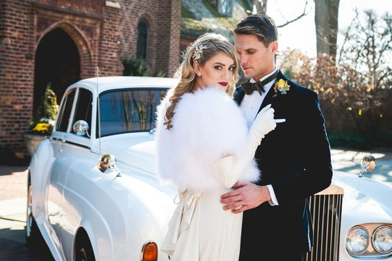 get-away-car-vintage-glam-wedding-amanda-lauren-photography