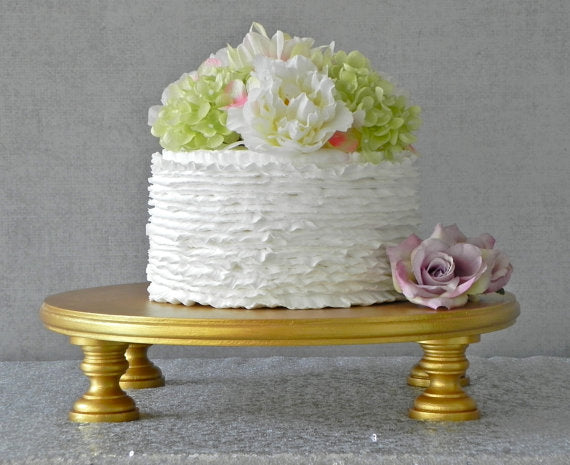 gold-wedding-cake-stand
