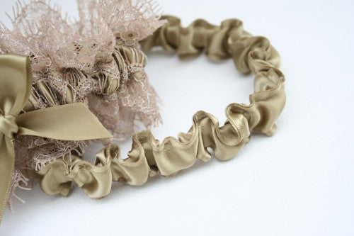 gold-wedding-garter-The-Garter-Girl