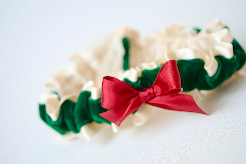 holiday-bridal-garter-the-garter-girl