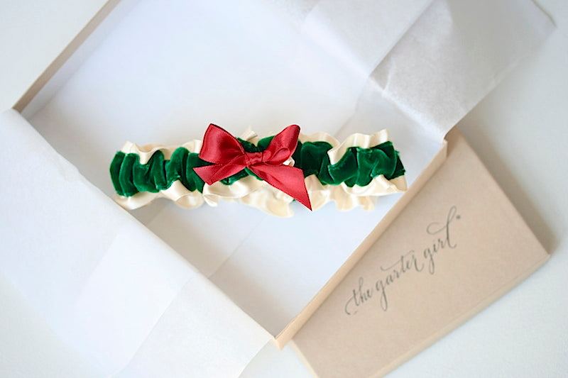 holiday-velvet-wedding-garter-the-garter-girl