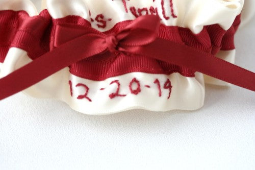 holiday-wedding-garter-The-Garter-Girl-2
