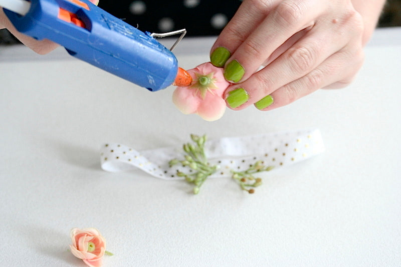 diy flower wedding garter