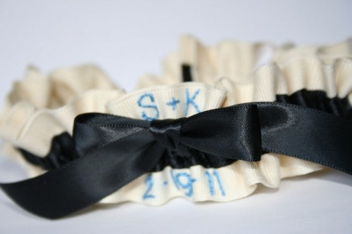 ivory-and-black-unique-wedding-garter-