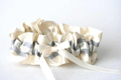 ivory-gray-wedding-garter-The-Garter-Girl