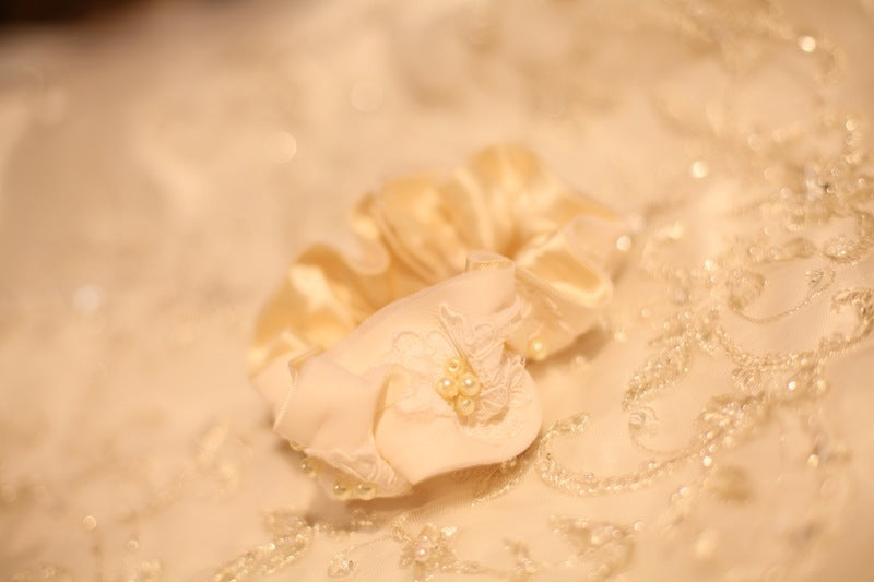 ivory and lace wedding garter heirloom