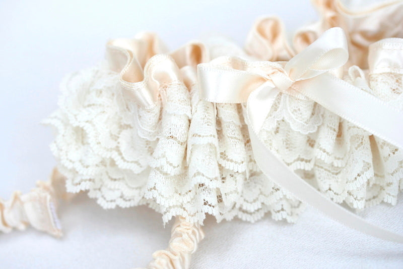 ivory-lace-garter-The-Garter-Girl-2