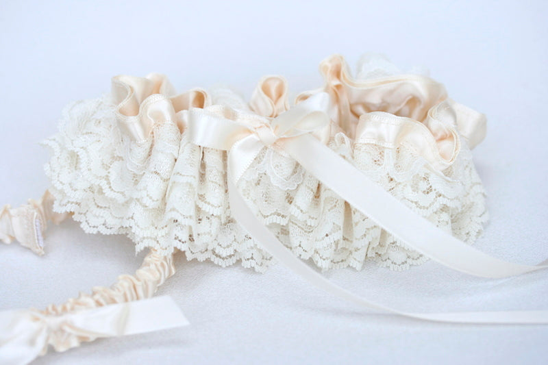 ivory-lace-garter-The-Garter-Girl