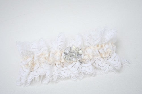 ivory-lace-wedding-garter
