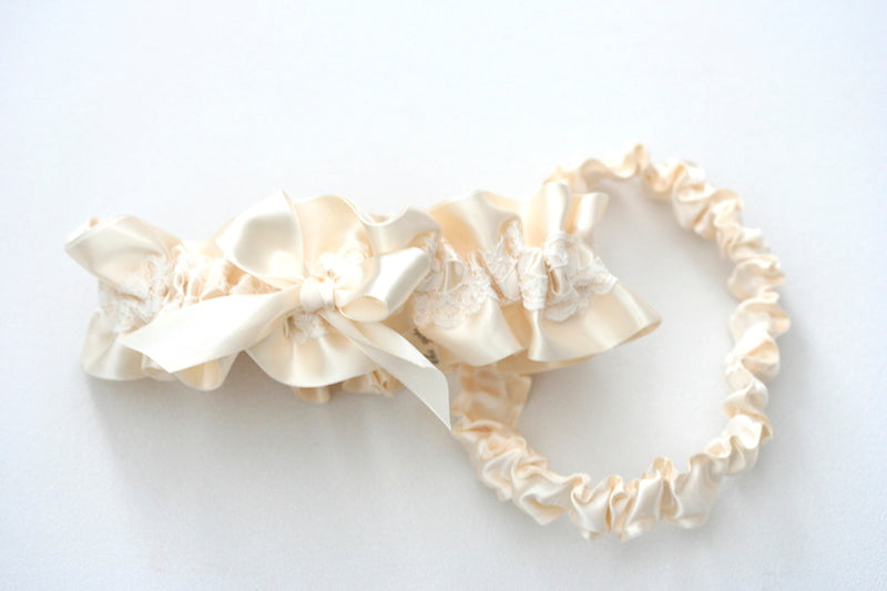 lace-bridal-garter-The-Garter-Girl