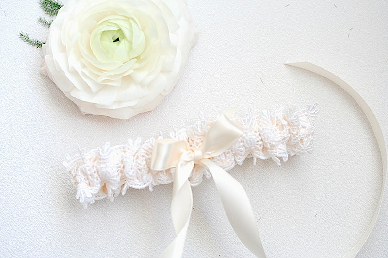 lace-couture-bridal-garter-The-Garter-Girl.JPG-10