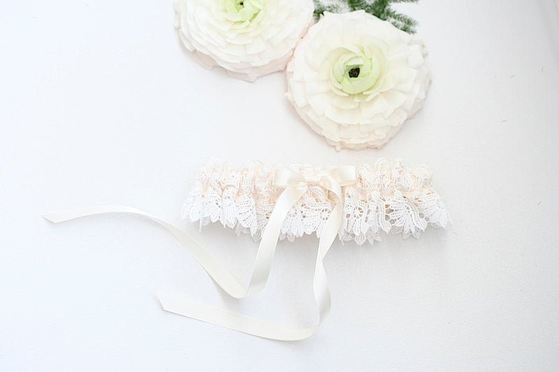 lace-couture-bridal-garter-The-Garter-Girl.JPG-2
