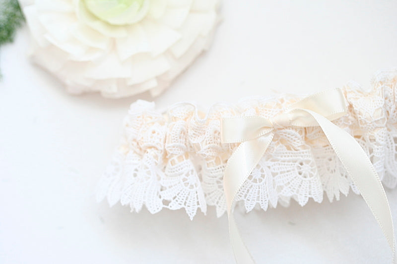 lace-couture-bridal-garter-The-Garter-Girl.JPG-4
