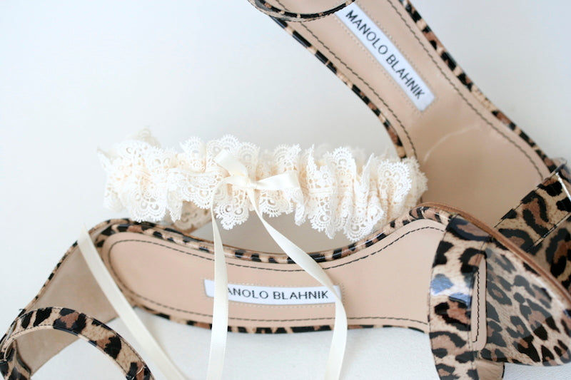 lace-wedding-garter-leopard-manolo-blahnik-The-Garter-Girl3