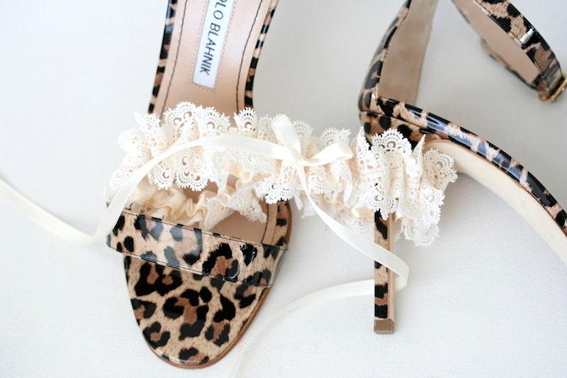 lace-wedding-garter-leopard-manolo-blahnik-The-Garter-Girl5