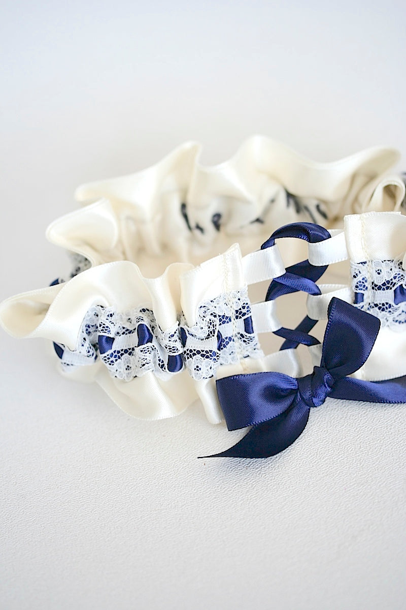 luxrurious-lace-wedding-garter-the-garter-girl