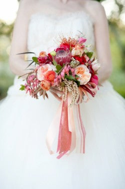 navy-peach-wedding-bouquet-Cyn-Kain-Photography