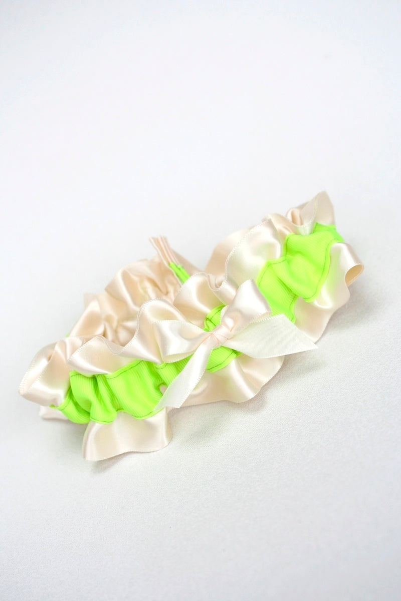 neon-bridal-garter-The-Garter-Girl