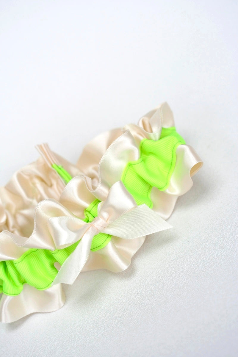 neon-wedding-garter-The-Garter-Girl