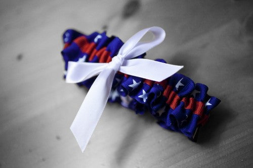 patriotic-wedding-garter-Yeoman-Photography