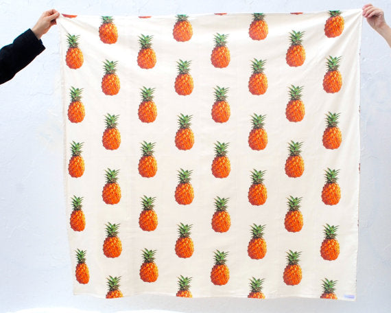 pineapple-throw-blanket