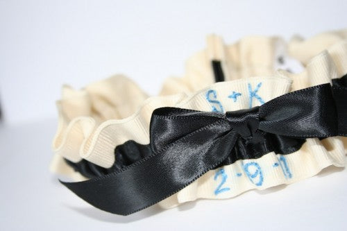 pretty-something-blue-and-black-garter