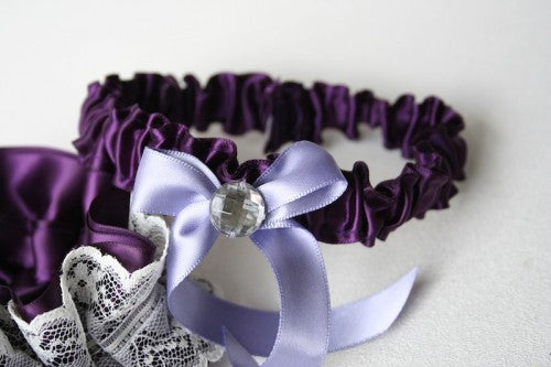purple-tossing-wedding-garter-