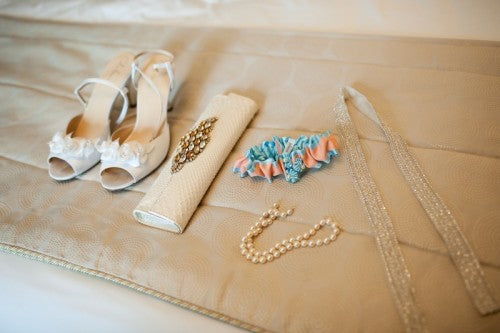 real-bridal-accessories-garter-photo-by-paul-morse