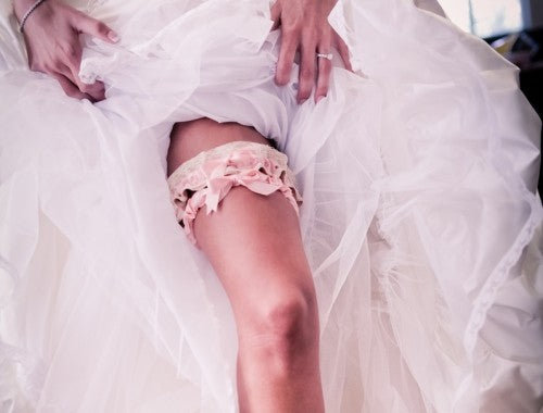 real-wedding-garter-and-dress-dove-photography
