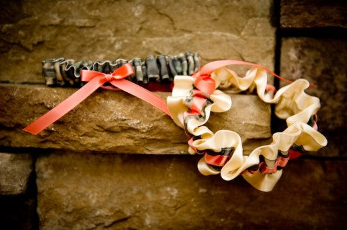 real-wedding-garter-camouflage-coral-and-ivory