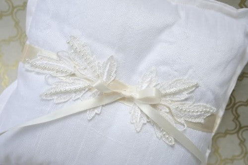 ring-pillow-vintage-lace-The-Garter-Girl